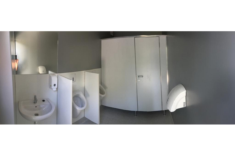 SZP-THW-22 WC épület